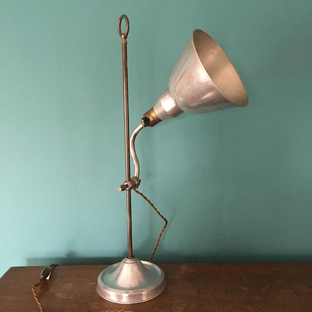 ancienne lampe du bureau m tal argent style industriel. Black Bedroom Furniture Sets. Home Design Ideas