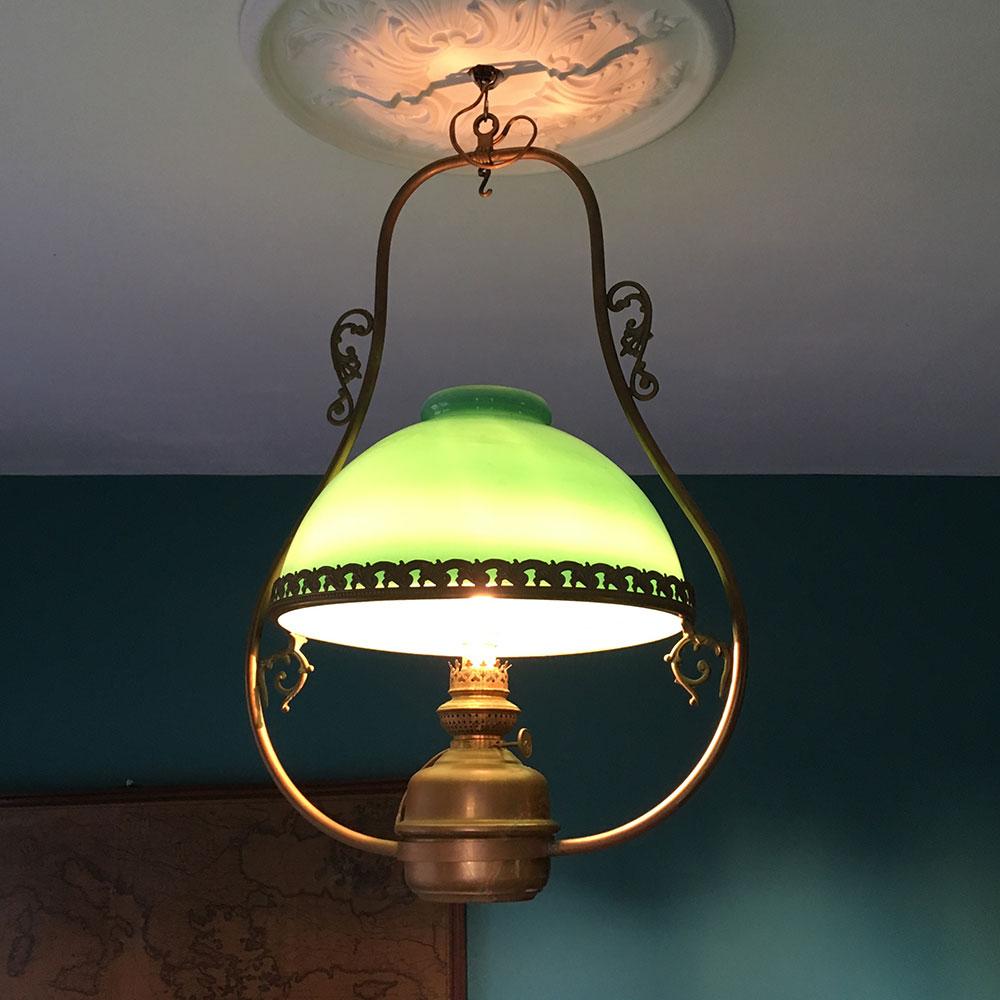 lustre ancien opaline verte allumé