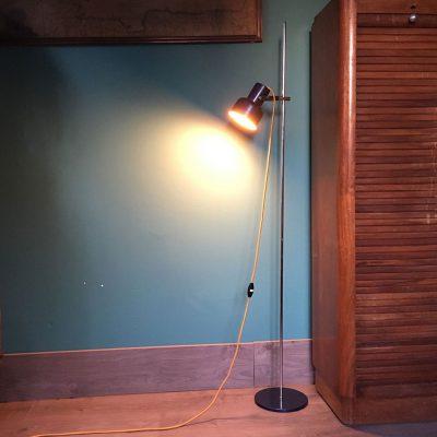 lampadaire spot allumé