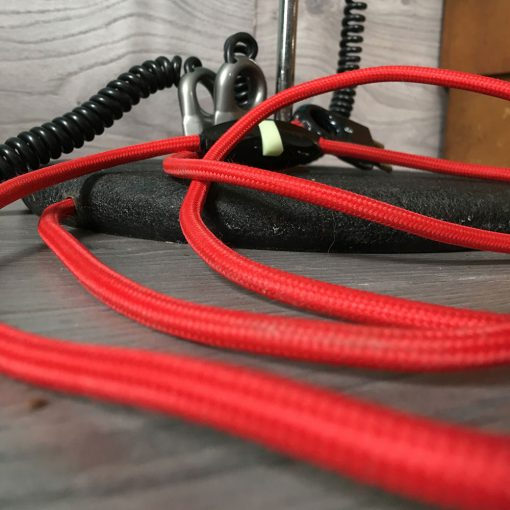 lampe design fil rouge