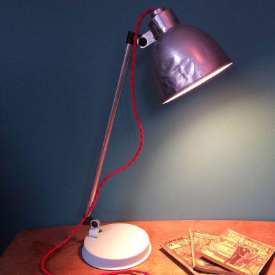 lampe-bureau-restaurée-allumée