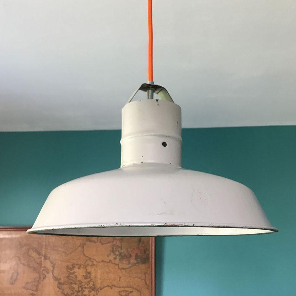 suspension industrielle vintage grise millezime lampe. Black Bedroom Furniture Sets. Home Design Ideas
