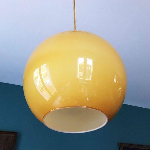 suspension boule opaline ambrée