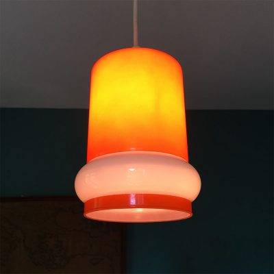 suspension vintage opaline orange allumée