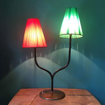 lampe vintage années 50 allumée