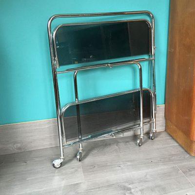table roulante vintage pliée