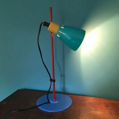 lampe-metal-couleurs-allumee
